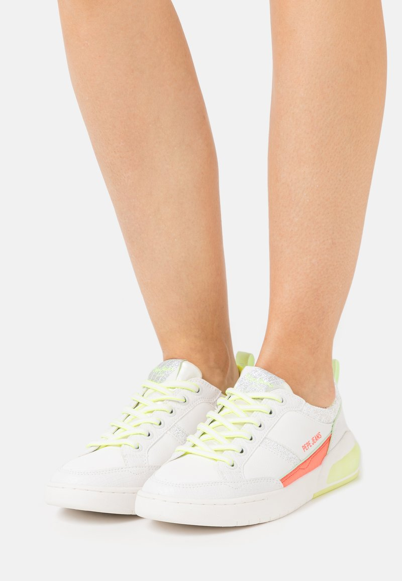Pepe Jeans - MARBLE FAST - Trainers - white