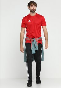 adidas Performance - AEROREADY PRIMEGREEN JERSEY SHORT SLEEVE - T-shirt med print - powred/white - 1