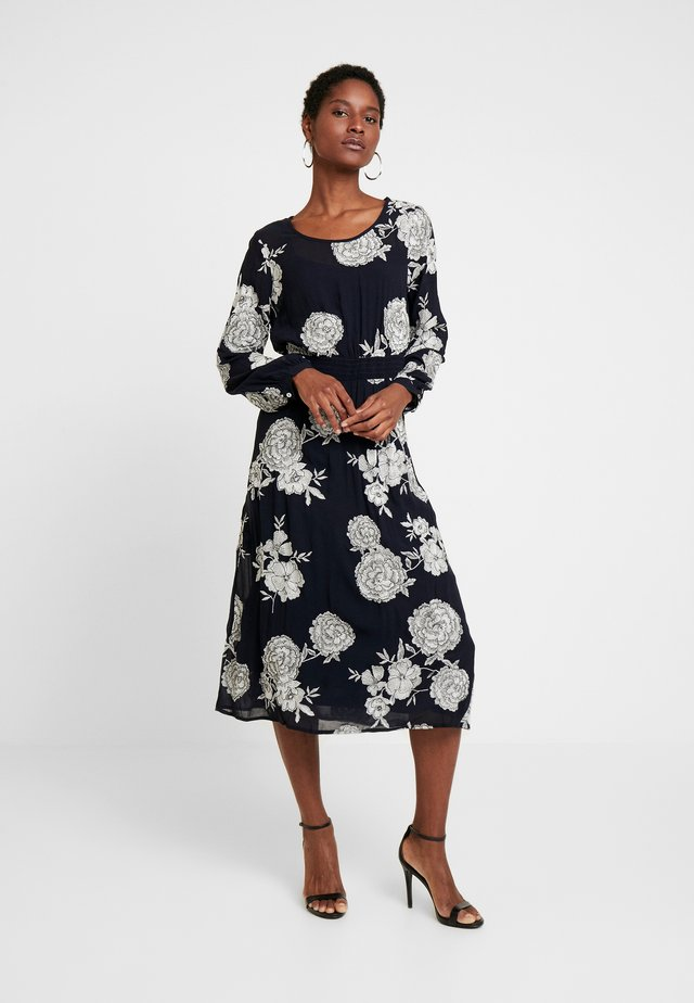 EMBROIDERED DRESS - Robe d'été - navy