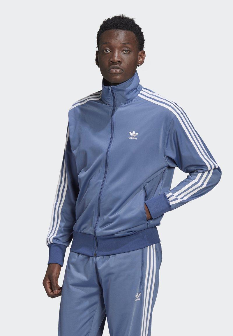 adidas Originals - FIREBIRD ADICOLOR PRIMEBLUE ORIGINALS - Training jacket - crew blue