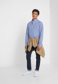 Polo Ralph Lauren - CUSTUM FIT OXFORD - Shirt - blue/white gingham - 1
