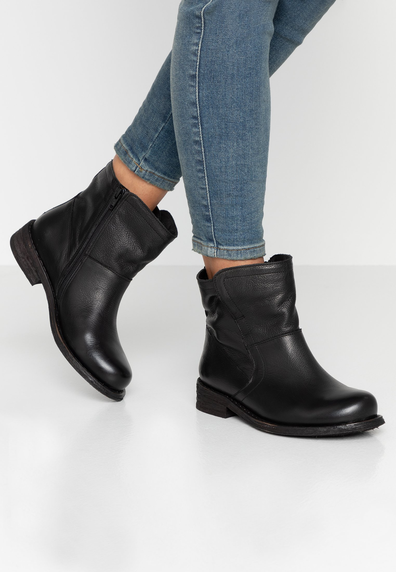 Women GREDO - Classic ankle boots
