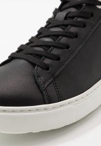 Birkenstock - BEND - Sneakersy niskie - black - 2