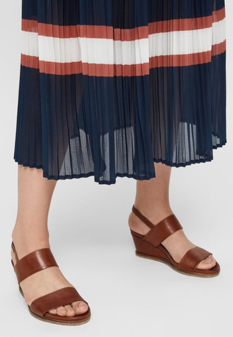 Bianco - Wedge sandals - cognac