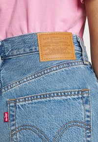 Levi's® - HIGH LOOSE - Shorts di jeans - whatever short - 5