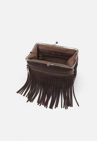 FREDsBRUDER - GRAN - Across body bag - brown - 2
