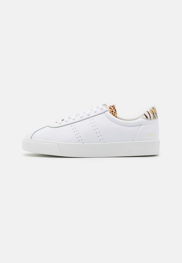 2843 CLUB  - Matalavartiset tennarit - white