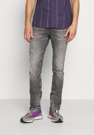 SCANTON - Slim fit jeans - grey denim