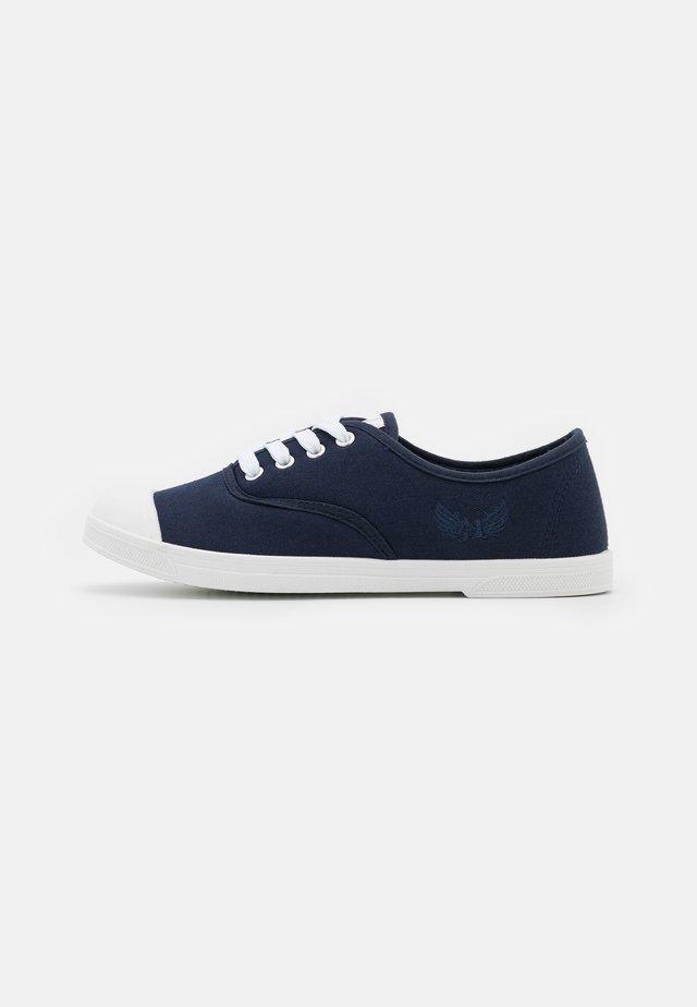 SOBIO - Sneakersy niskie - marine