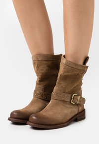 Felmini Wide Fit - GREDO - Cowboy/biker ankle boot - marvin stone - 0