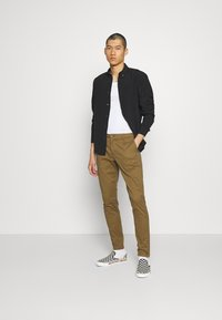 Only & Sons - ONSCAM - Chino - kangaroo - 1