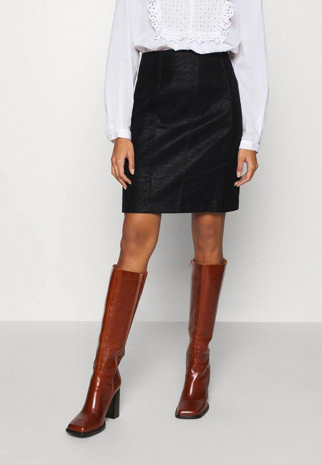 VIWINTYS SHORT SKIRT - Spódnica trapezowa - black