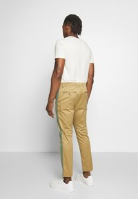 CLOSED - ATELIER CROPPED - Chinos - pebble - 2