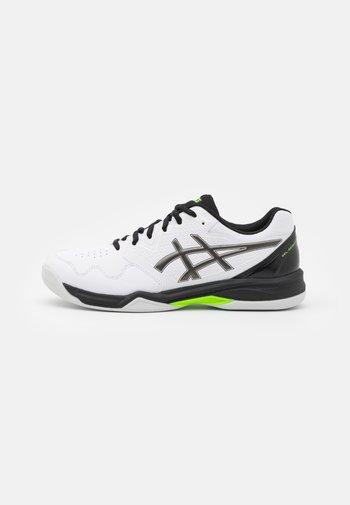 GEL DEDICATE 7 INDOOR - Tenisové boty na umělý trávník - white/gunmetal