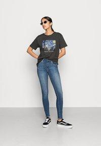 ONLY - ONLBLUSH MID ANKLE RAW - Jeans Skinny Fit - dark blue denim - 1