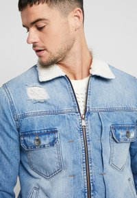 Redefined Rebel - DENNIS JACKET - Chaqueta vaquera - light blue - 3