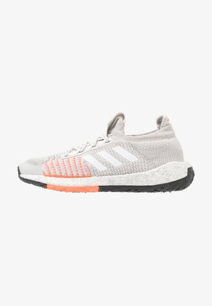 PULSEBOOST HD - Neutral running shoes - grey one/footwear white/hi-res coral