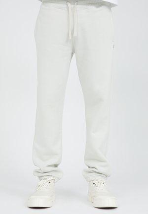 AADAN COMFORT - Trainingsbroek - white
