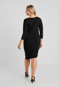 ONLY Carmakoma - CARAIDA 3/4 DRESS - Pouzdrové šaty - black - 3