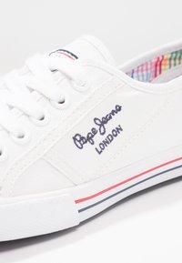 Pepe Jeans - ABERLADY - Sneaker low - white - 5