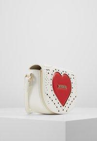 Love Moschino - Taška spříčným popruhem - white - 4