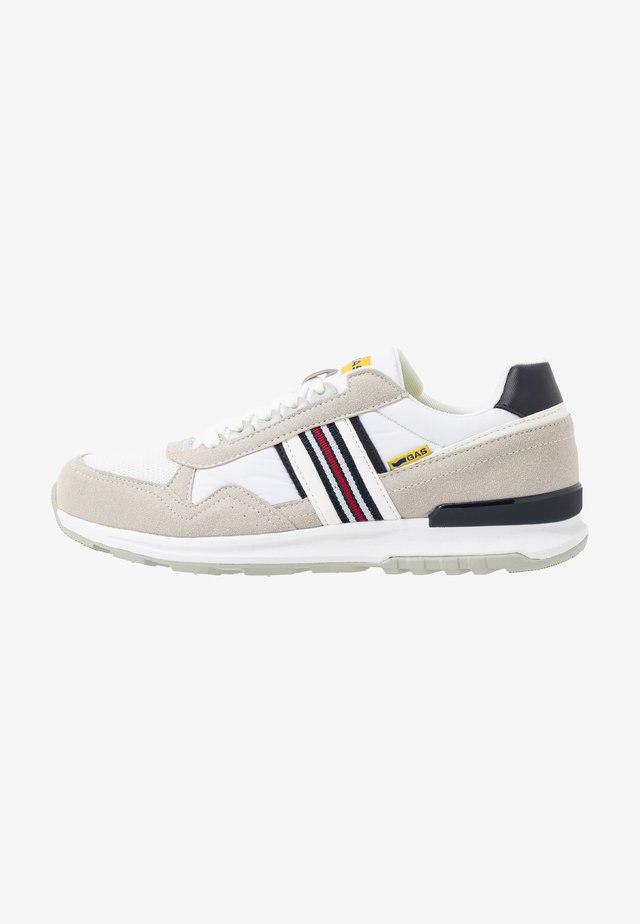 CARL SHINY  - Trainers - white
