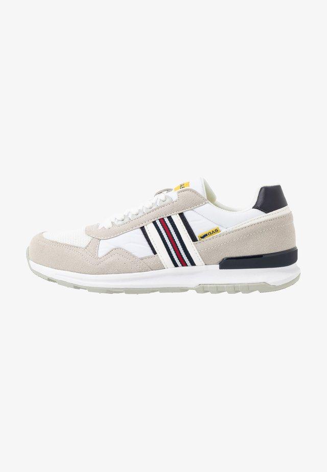 CARL SHINY  - Sneaker low - white
