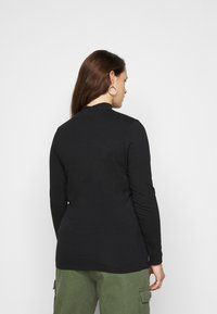 New Look Curves - CUT OUT TURTLE - Long sleeved top - black - 2
