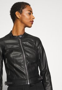 Guess - NEW JONE JACKET - Keinonahkatakki - jet black - 4