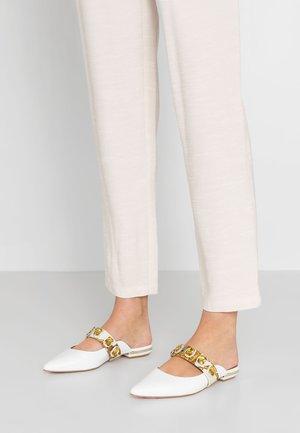 PRISCILLA - Pantofle - white