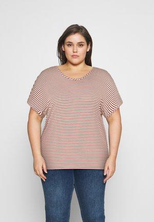 CARALLIE IN ONE TEE - T-Shirt print - arabian spice/cloud dancer