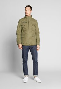 TOM TAILOR - WASHED FIELD JACKET - Summer jacket - olive night green - 1