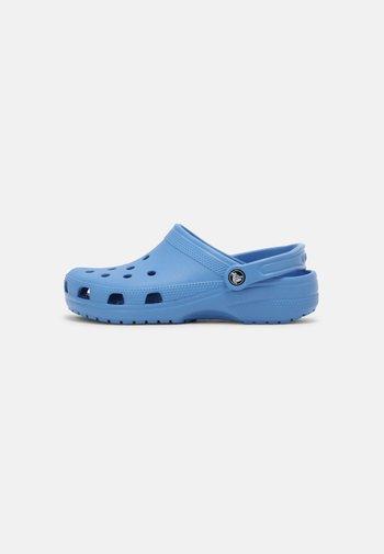 CLASSIC - Klapki - powder blue