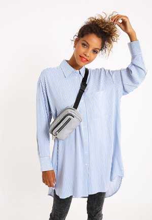 OVERSIZE - Button-down blouse - blau