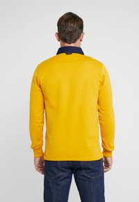GANT - THE ORIGINAL HEAVY RUGGER - Polo shirt - ivy gold - 2