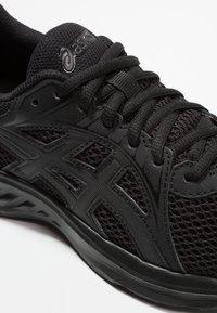 ASICS - JOLT 2 - Obuwie do biegania treningowe - black/dark grey - 5