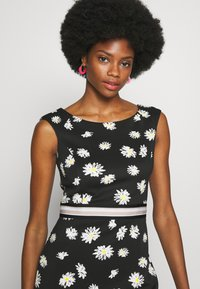 s.Oliver BLACK LABEL - Shift dress - black - 5