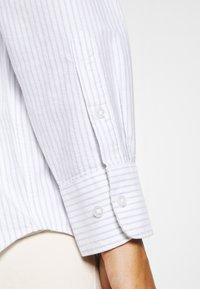 Weekday - EDYN OXFORD - Button-down blouse - blue/white - 3