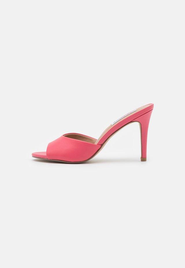 ERIN - Mules à talons - pink