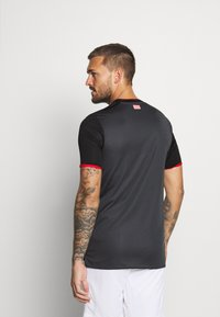 Umbro - WERDER BREMEN 3RD - Club wear - black/carbon/flame scarlet - 2