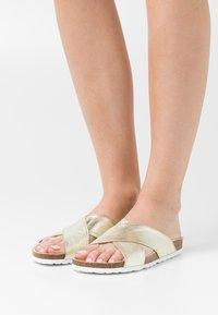Grand Step Shoes - LOLA - Sandaler - metallic gold - 0