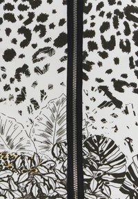 Desigual - TOUCHÉ - Pencil skirt - white - 5