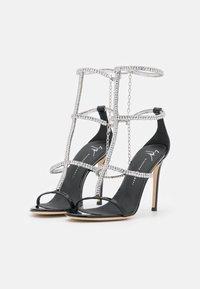 Giuseppe Zanotti - High heeled sandals - tinta passante/nero - 3