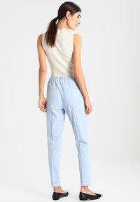Kaffe - NANCI JILLIAN - Trousers - kentucky blue - 2