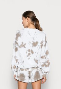 Twist & Tango - LEELA - Sweatshirt - beige batik - 2