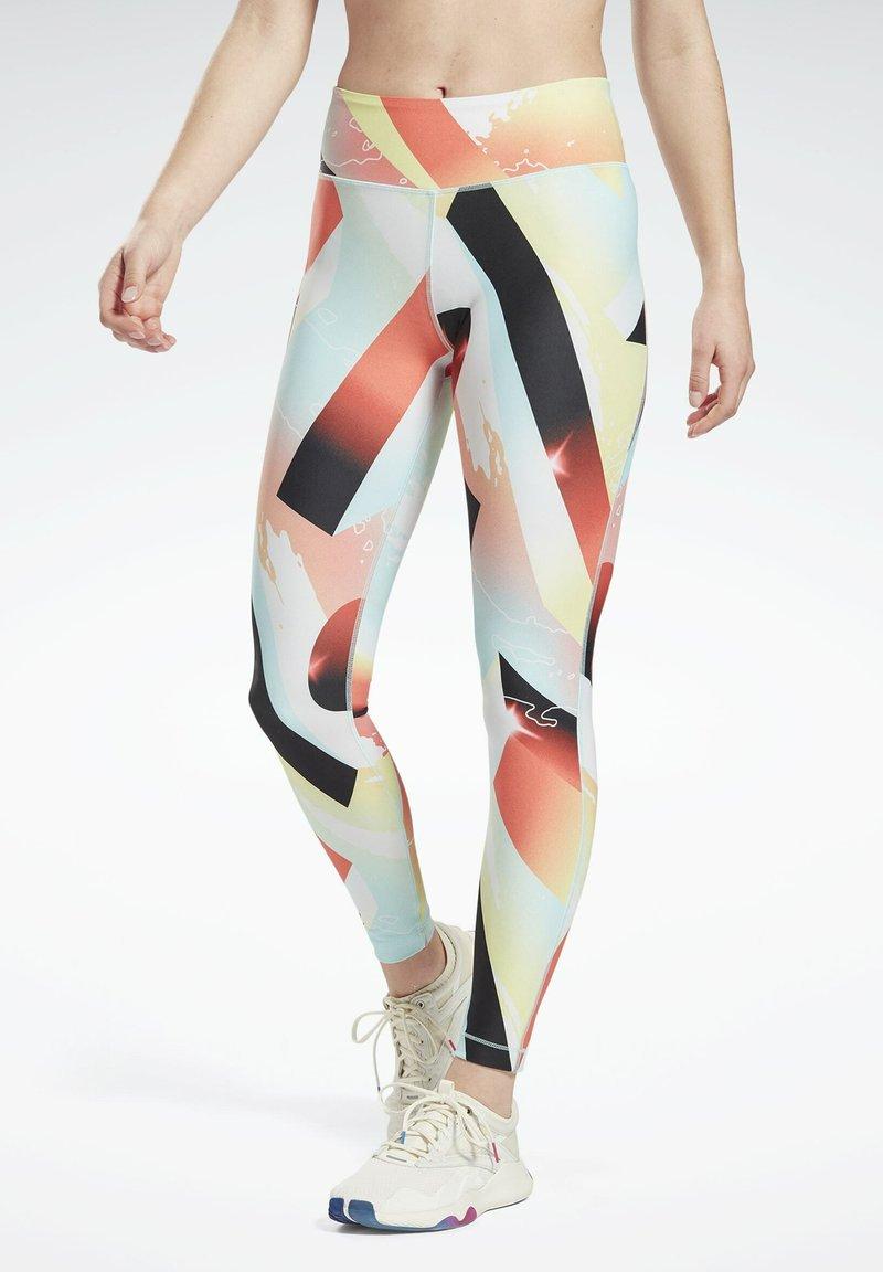 Reebok - REEBOK LUX BOLD LEGGINGS - Trikoot - orange