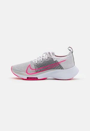 AIR ZOOM PEGASUS TURBO UNISEX - Neutral running shoes - vast grey/black/grey fog/hyper pink/white