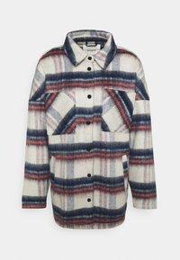 ONLY - ONLJENNY SHORT SHACKET - Short coat - light grey melange/black/blue/red - 0