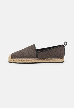 OWEN - Espadrilky - brown