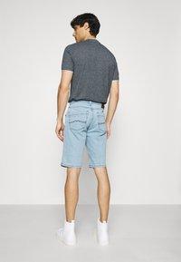 Mustang - WASHINGTON - Denim shorts - denim blue - 2